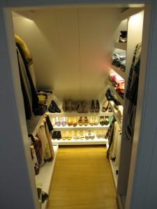 Led verlichting in schoenenkast. Villa Nieuw Vennep